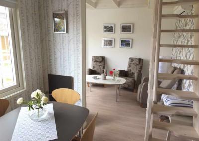 Gezellige woonkamer in vakantiehuis Groningen